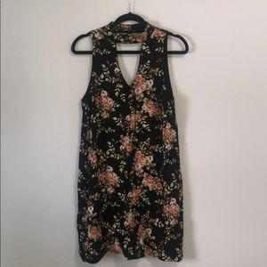 Black Floral Keyhole V-Neck Dress